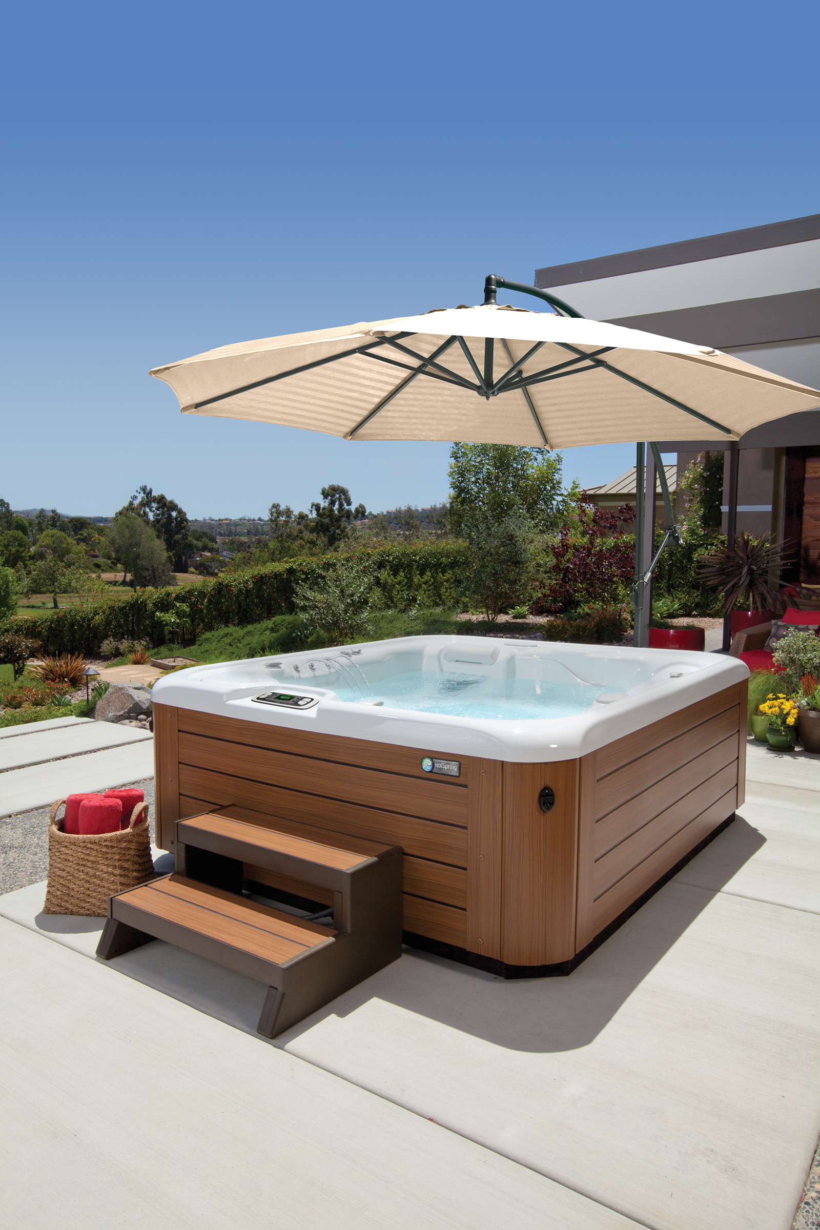Hot Spring Highlife Sovereign 6 Person Hot Tub - Gallery