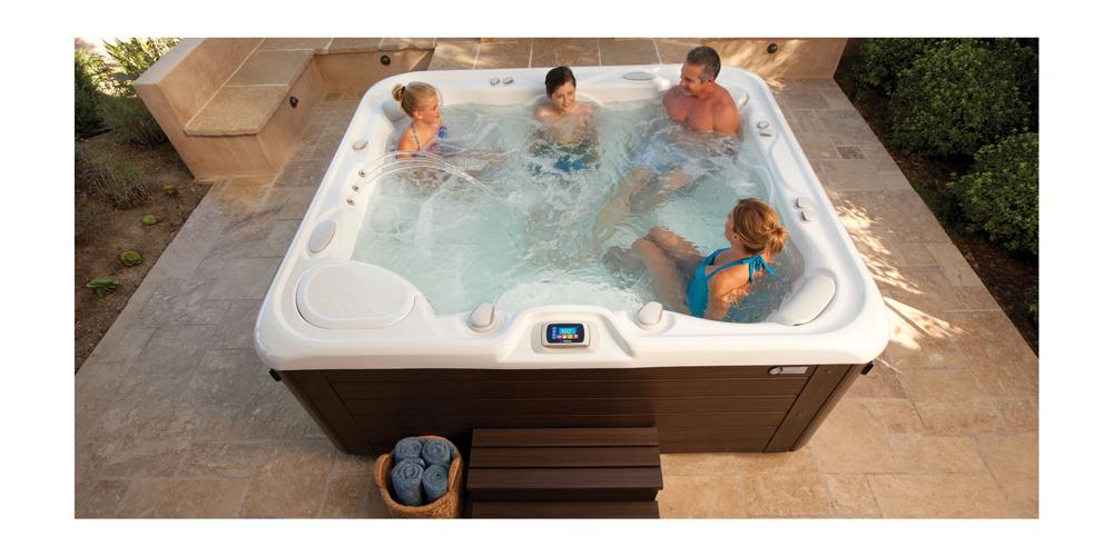 Contempra Swimming Pool - Pioneer Family Pools
