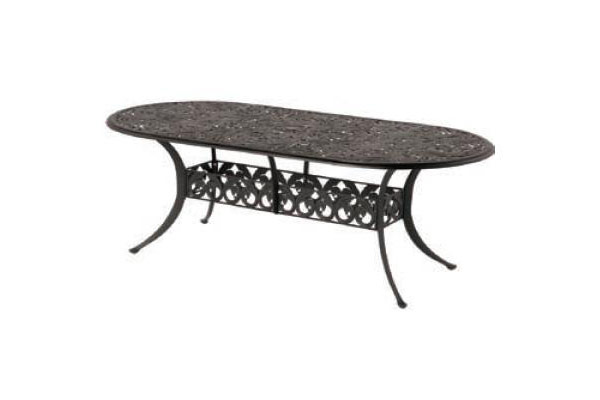 "42""x86"" Oval Outdoor Dining Table"